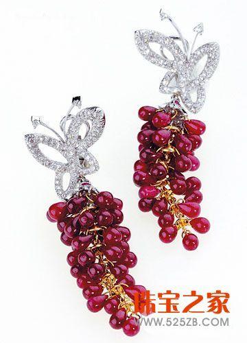 灵感来自于中国工笔画的蝴蝶造型耳坠-胡铭 做有态度的时髦珠宝